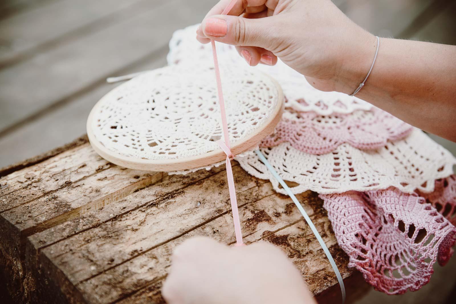 DIY-Dreamcatcher-Boho-Wedding-Dekoration-Traumfaenger-Hochzeitsdekoration-43