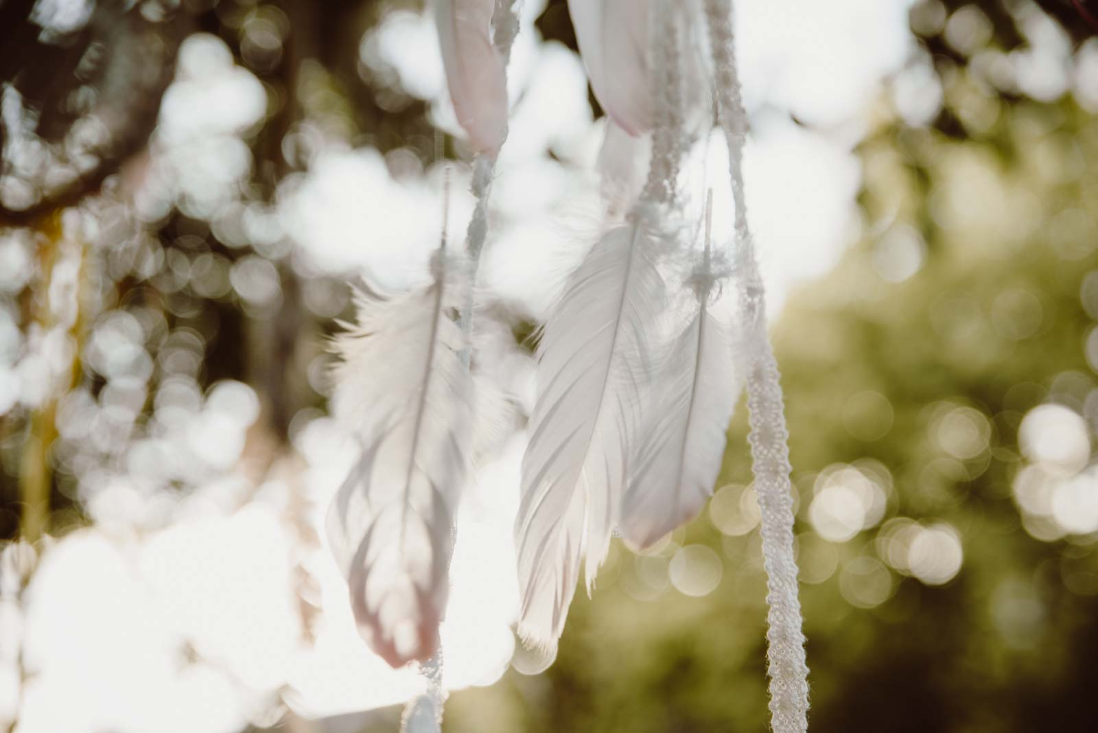 DIY-Dreamcatcher-Boho-Wedding-Dekoration-Traumfaenger-Hochzeitsdekoration-15
