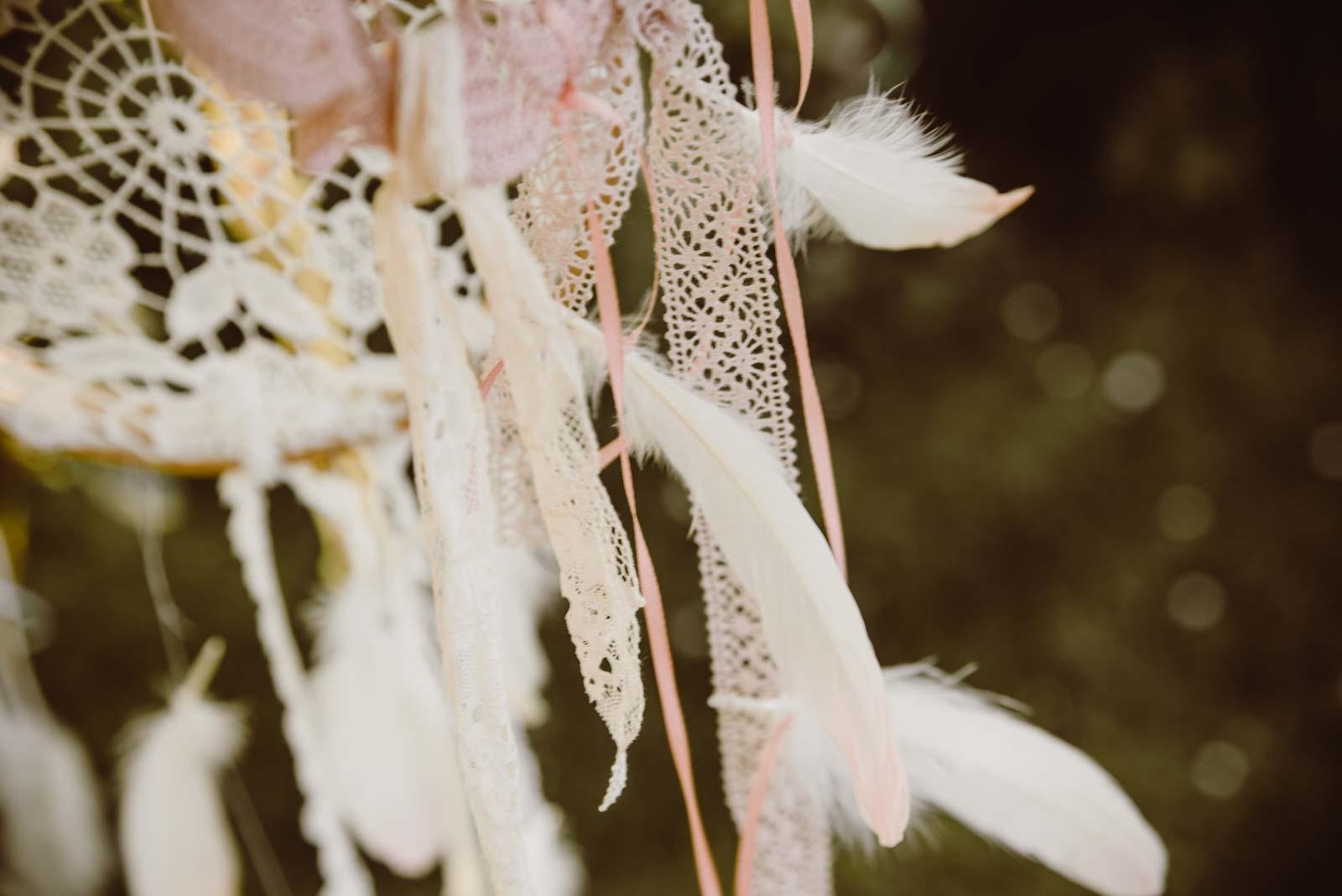 DIY-Dreamcatcher-Boho-Wedding-Dekoration-Traumfaenger-Hochzeitsdekoration-19