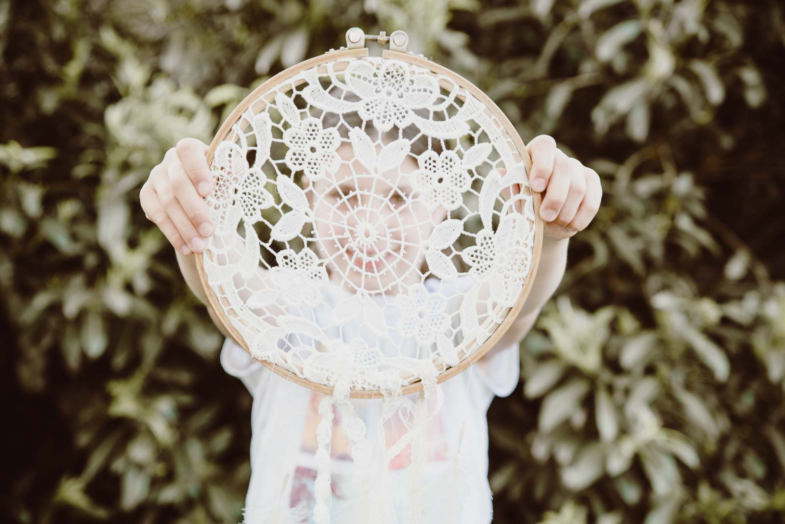 DIY-Dreamcatcher-Boho-Wedding-Dekoration-Traumfaenger-Hochzeitsdekoration-51