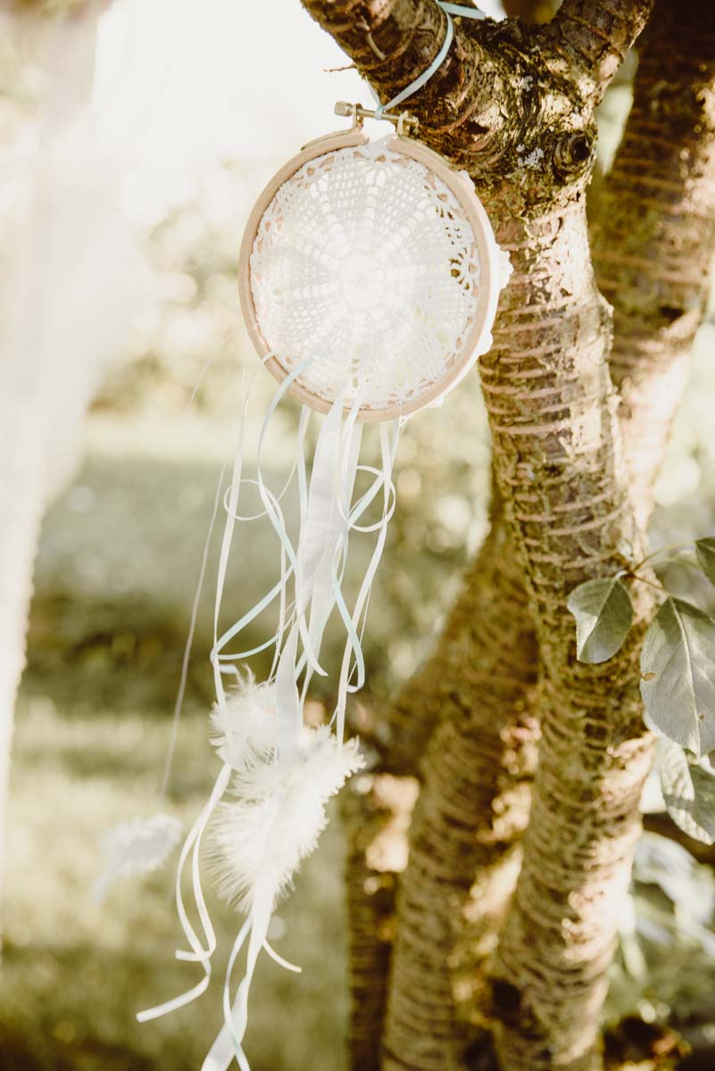 DIY-Dreamcatcher-Boho-Wedding-Dekoration-Traumfaenger-Hochzeitsdekoration-6