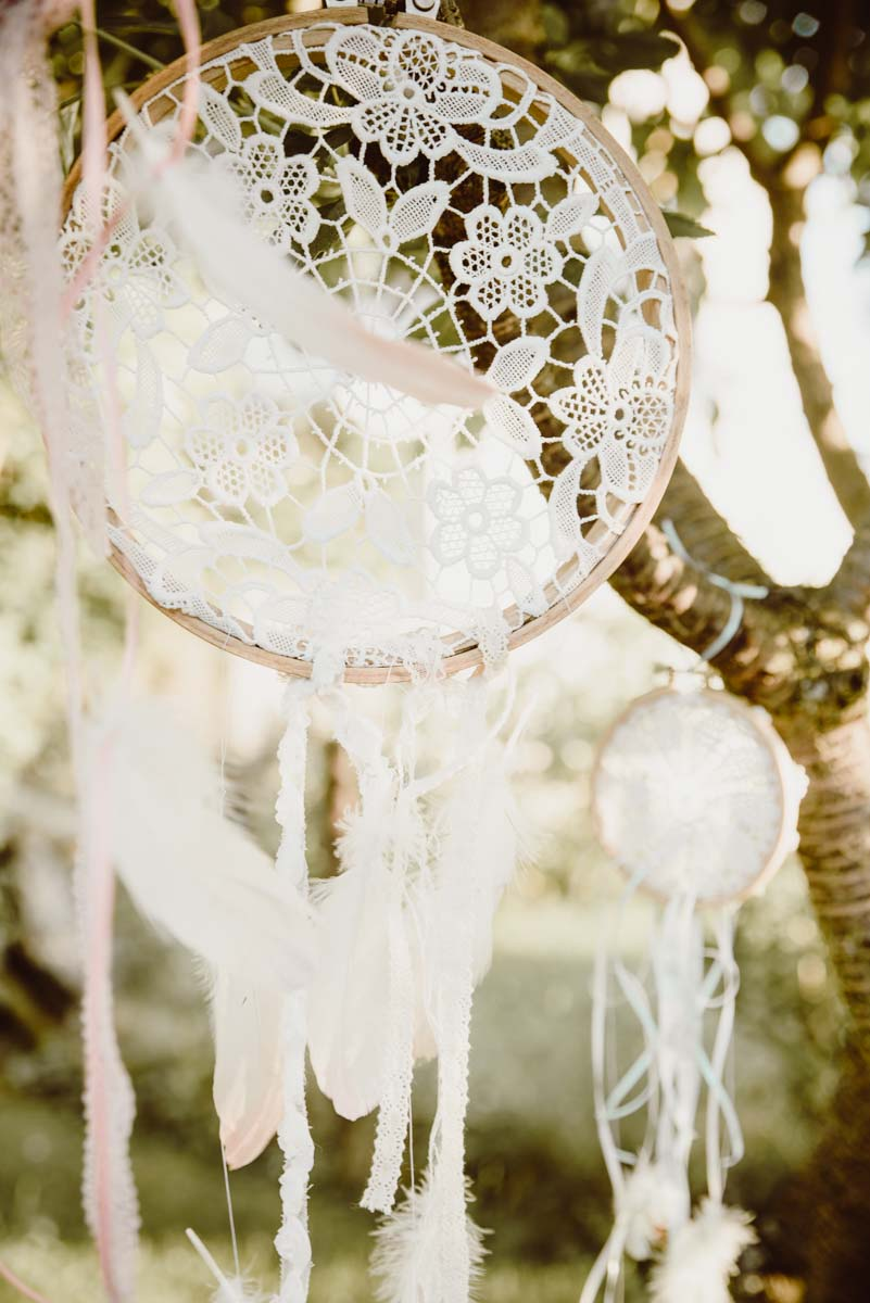 DIY-Dreamcatcher-Boho-Wedding-Dekoration-Traumfaenger-Hochzeitsdekoration-7