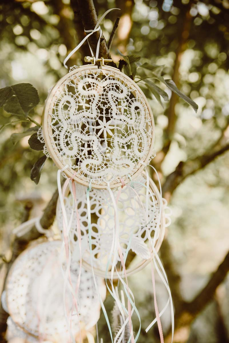 DIY-Dreamcatcher-Boho-Wedding-Dekoration-Traumfaenger-Hochzeitsdekoration-9