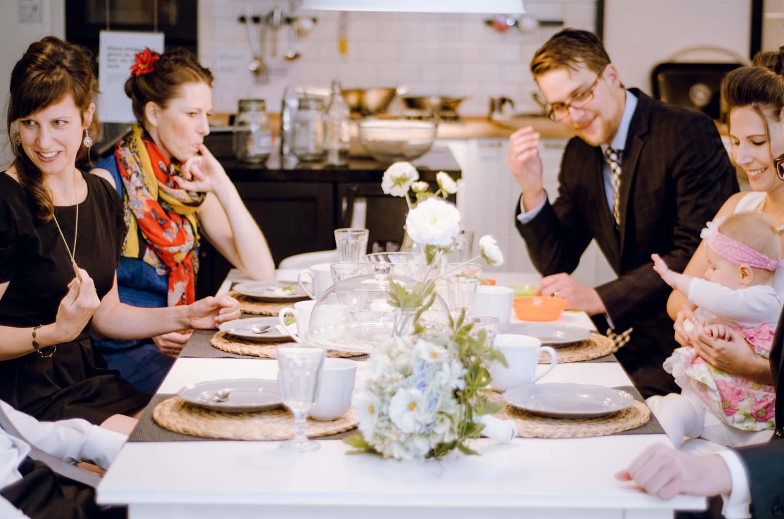 hochzeit ikea heiraten flughafen koeln ossendorf hochzeitsfotograf koeln 35 jenny egerer k ln. Black Bedroom Furniture Sets. Home Design Ideas