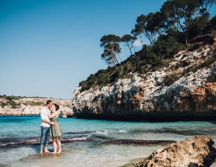 Paulina und Max im Meer